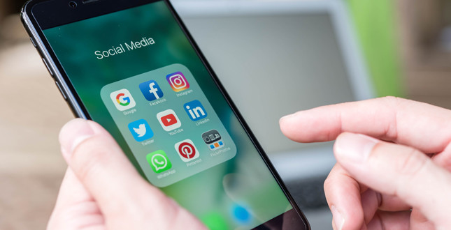 Two-thirds of UK sources tradespeople via social media, says survey image