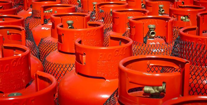 Business fined for illegal gas cylinder filling image