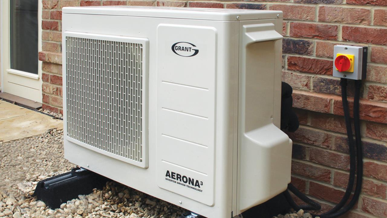 Grant Aerona3 air source heat pump Installation Guide image
